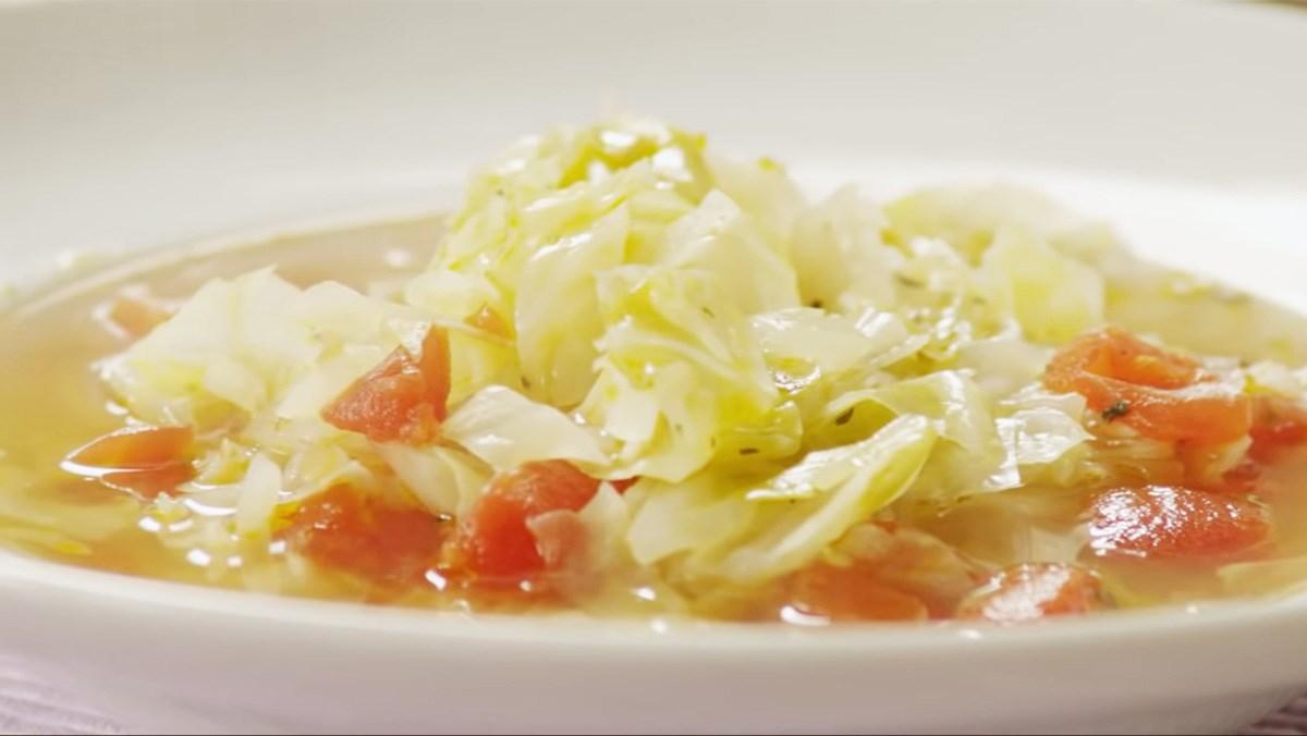 Canh bắp cải cà chua